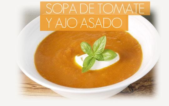 Receta fácil de sopa de tomate y ajo asado con el sabor más gourmet